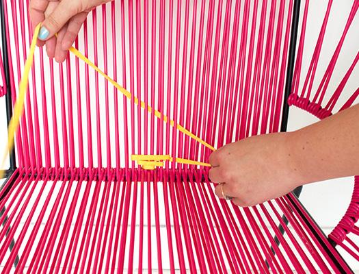 Etape 3 : chaise tissée DIY