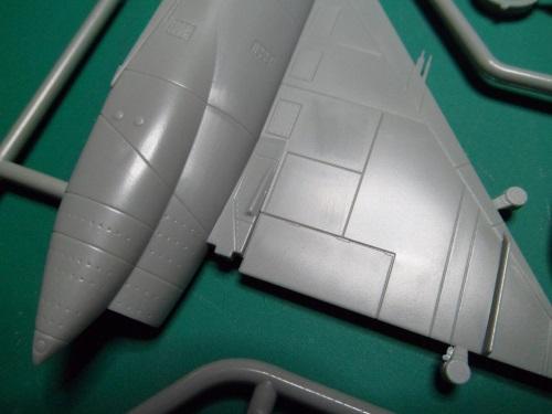 Ouvre-boîte Convair F-102A Delta Dart Case X [Meng 1/72] 19249126871_d6280be0a6_o