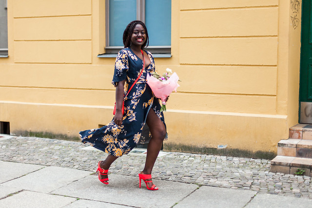 lois-floral-110  fashion week street style