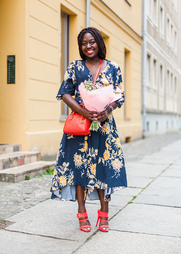 lois-floral-118  fashion week street style