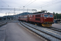 NSB El14.2170 with train to Bergen