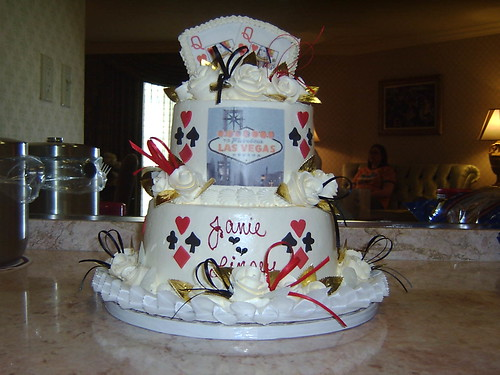 106194279 029484bd29 Leannes wedding cake   no flowers 2