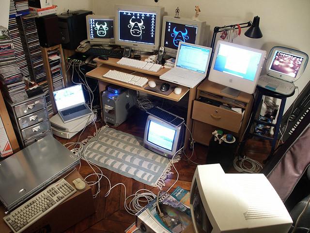 Geek Desk Flickr Photo Sharing