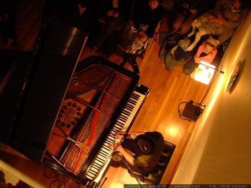 2003-02-08, vienna teng, eric cheng's loft,… dscf3828