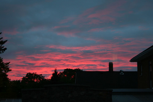 Red sky at night...sailor's delight.