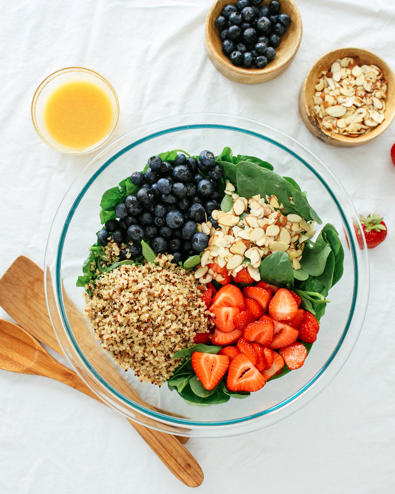 SPINACH + BERRY QUINOA SALAD