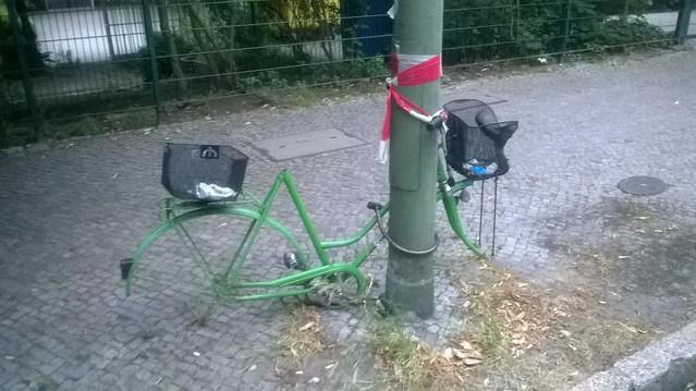 Bicicleta sin ruedas ni sillín