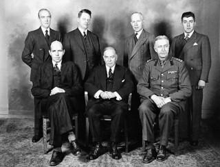 The Right Honourable William Lyon Mackenzie King... on a visit to Great Britain in August 1941 / Le très honorable William Lyon Mackenzie King... de sa visite en Grande Bretagne, en août 1941