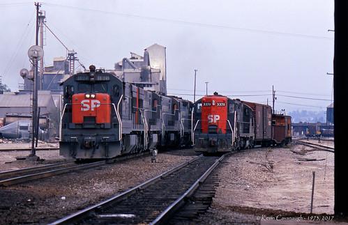 trains railroads southernpacific espee sp locomotive ge u28c emd gp9e coltontower colton california
