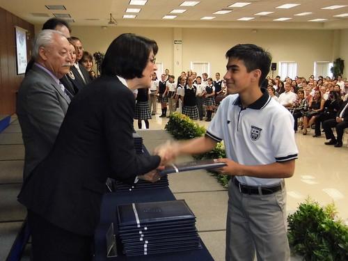 Entregan certificados a los alumnos del Colegio Americano