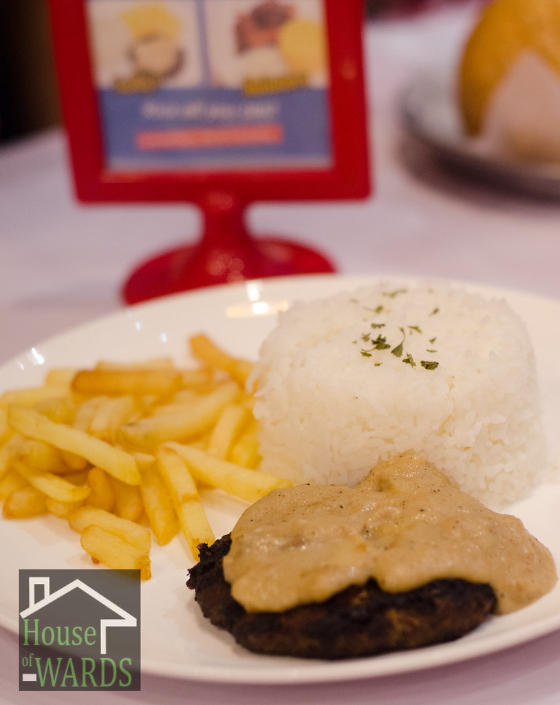 Dine 'n Dash Sally's Burger meal - Php119.00