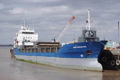 SWE-FREIGHTER at New Holland Dock