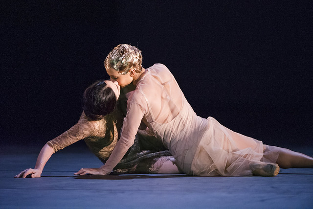 Alessandra Ferri and Francesca Hayward in Woolf Works, The Royal Ballet © 2015 ROH. Photograph by Tristram Kenton