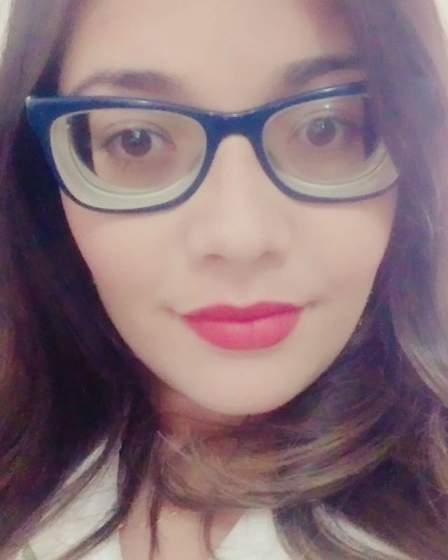 Stunning Sexy Highly Myopic Girl With Glasses