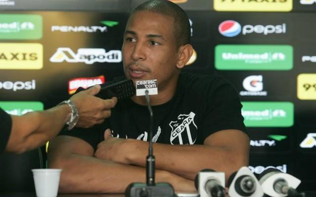 Para sair do Z4, Rafael Costa mira vit�rias longe de Fortaleza