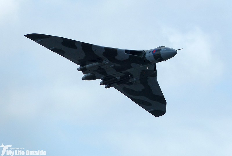 P1140034 - Vulcan XH558, Swansea Bay