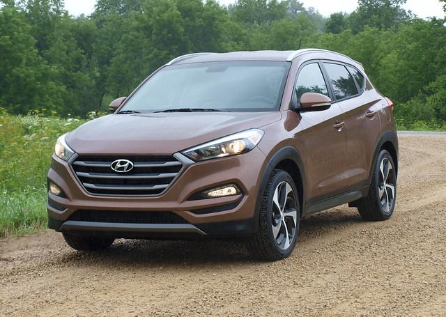 2016 Hyundai Tucson Media Drive