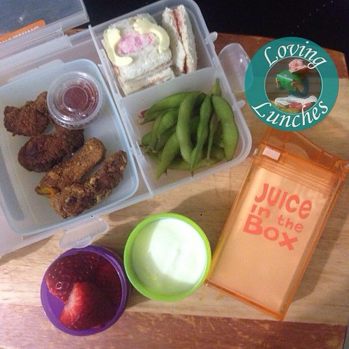 Loving a game of peek-a-boo with Honeys @nudefoodmovers for tomorrow… chicken nuggets with sauce, peek-a-Bo sandwich, peek-a-boo beans (aka edamame), starmmtawberries, yoghurt and milk in her #juiceinthebox She was quite content to sit down and play peek-