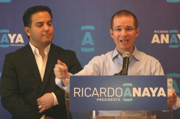 Ricardo Anaya se niega a firmar compromisos de campaña