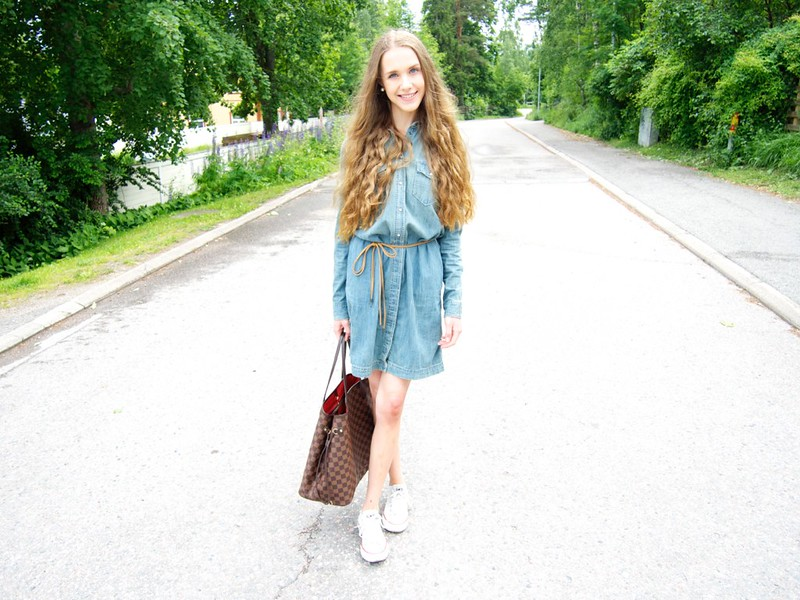 Chambray dress with white Converse