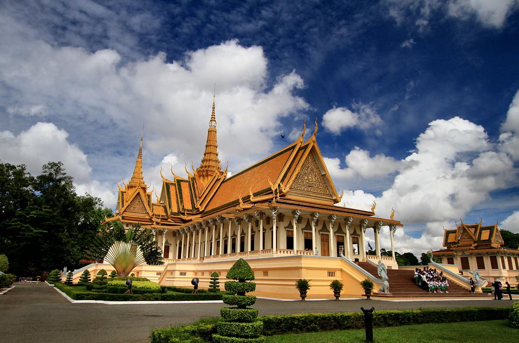 Royale Palace & Silver Pagoda