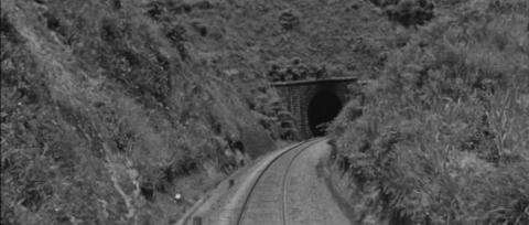 74−サミットにあるトンネルが近づいた