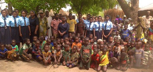 Christie Adegoroye SSL and Francisca Nwachukwu SSL are pictured with the students of  Louisville Girls Secondary School, Gwagwalada, and the villagers of Kwalita on the outskirts of Gwagwalada