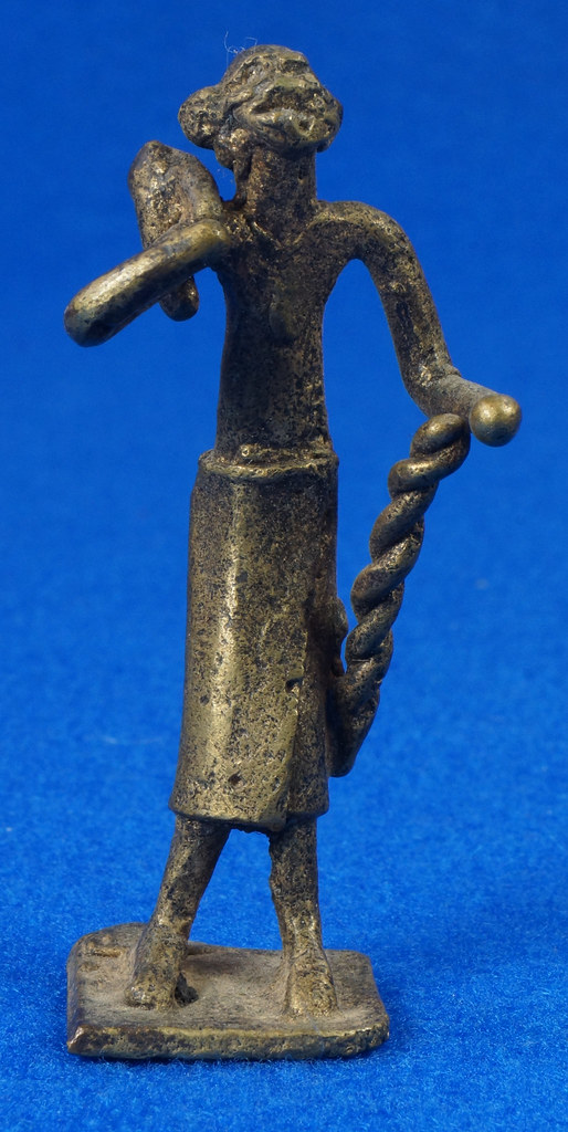 RD15104 4 Vintage African Hand Made Folk Art Primitive Figurines Solid Cast Brass Burkina Faso Yoruba West Africa DSC07101