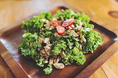 salade-assiette-bois