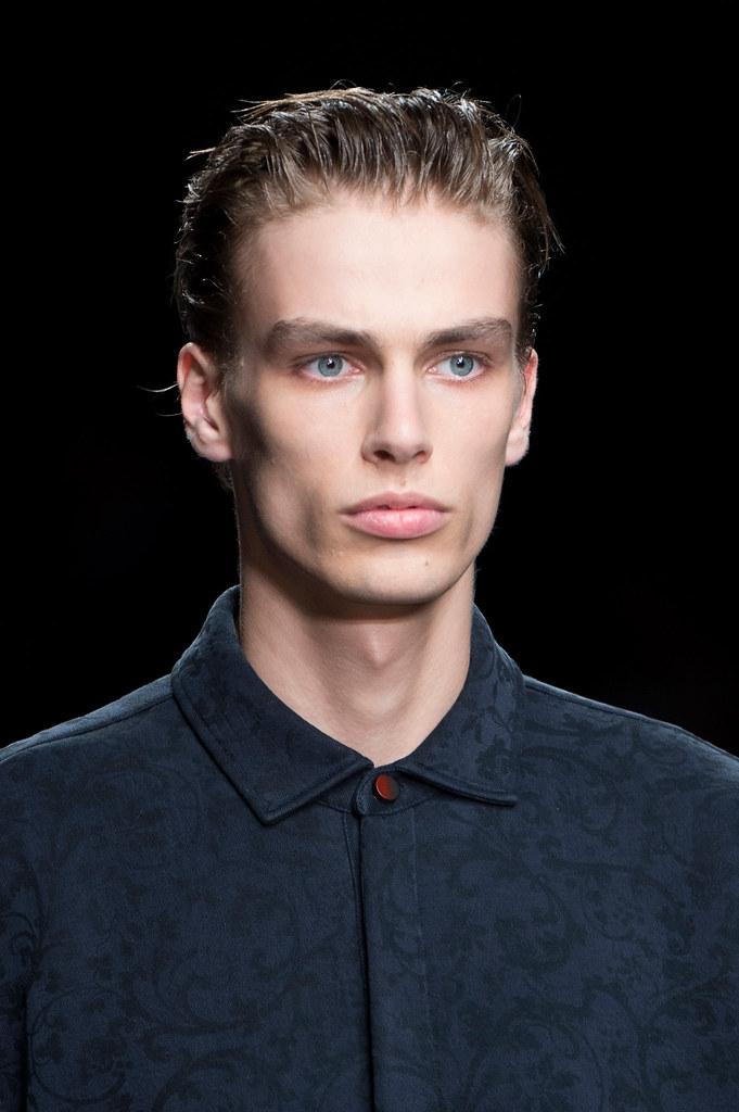 Marc Schulze3248_SS16 Milan Fendi(fashionising.com)