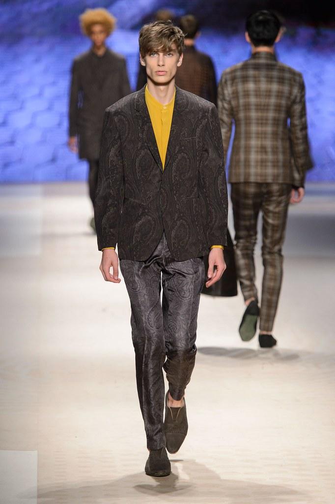 Marc Schulze3235_SS16 Milan Etro(fashionising.com)