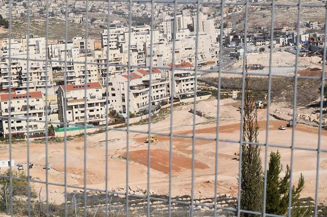 Israel descumpre decisão da ONU e dá continuidade à destruição de casas palestinas