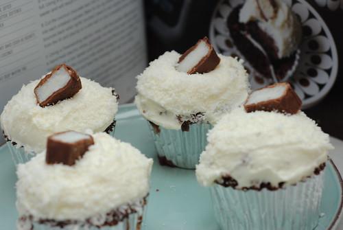 bounty chocolate coconut cupcake recipe hummingbird bakery