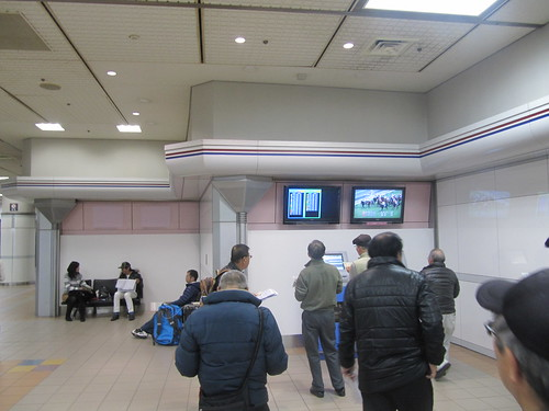 中山競馬場の702投票所