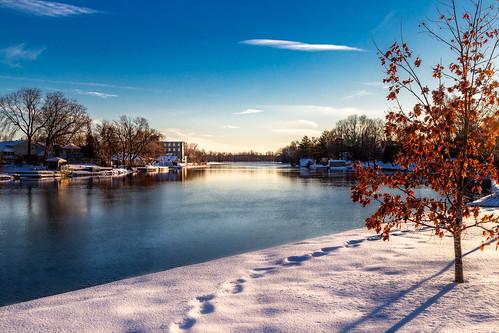 winter carletonplace mississippiriver snow