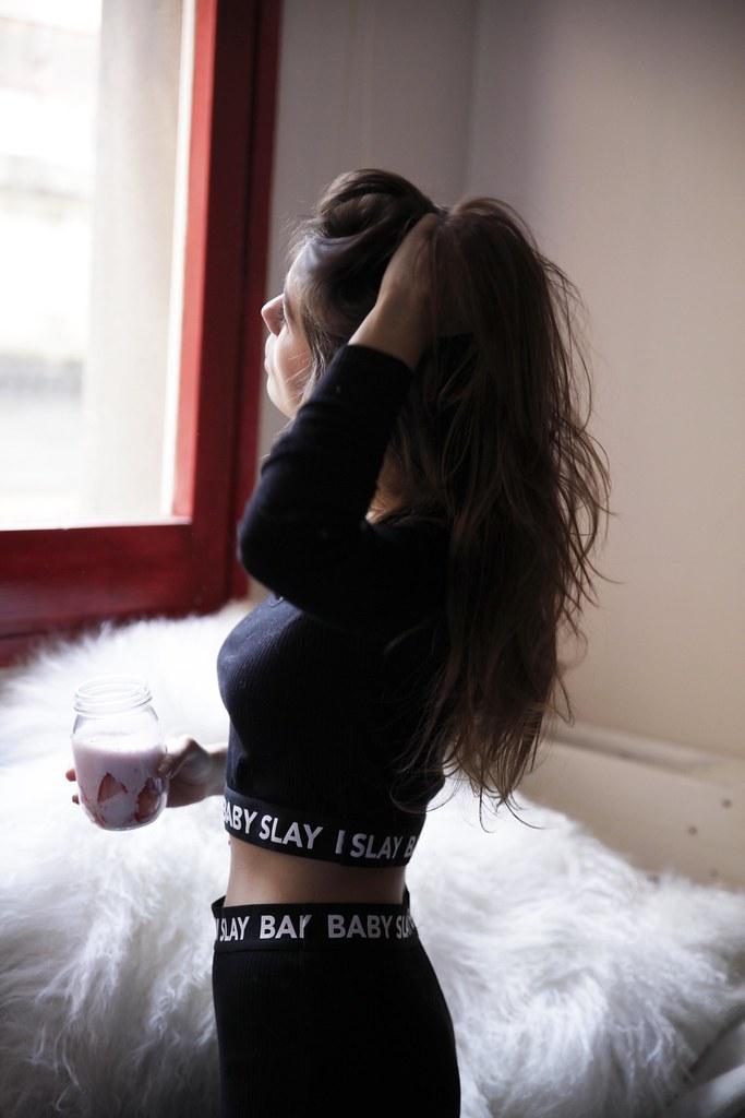 02_baby_slay_batido_de_frutas_para_empezar_el_lunes_theguetstgirl_laura_santolaria_influencer_barcelona