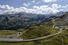 Serpentea entre Los Alpes
