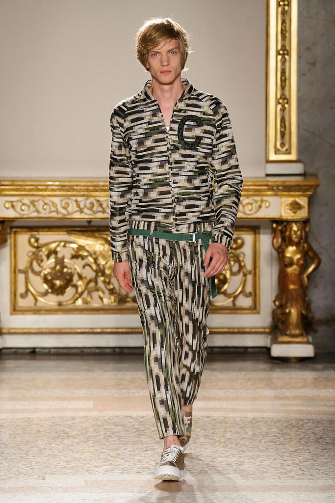 Paul Boche3670_SS16 Milan Christian Pellizzari(fashionising.com)