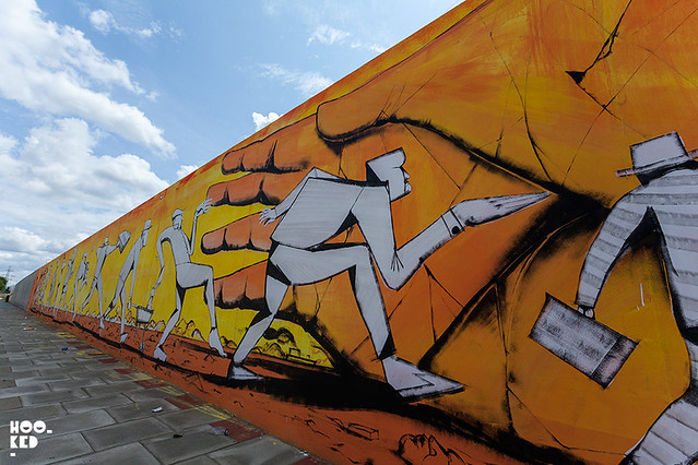 Italian Street artist Giacomo Bufarini aka RUN, Street Art Mural in E16, London. Photo ©Hookedblog
