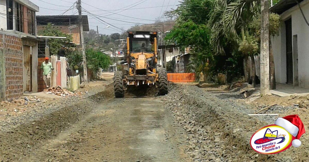 Municipio interviene en calle Carlos Concha de El Vergel