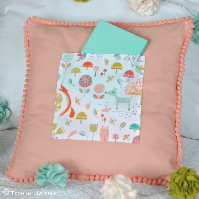 DIY pocket cushion