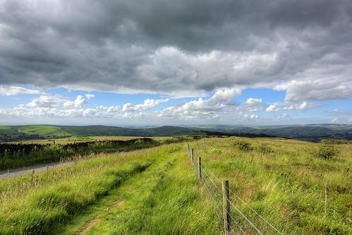 peakdistrict sideendlane cheshire uk england sky pymschair hills clouds grassland