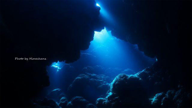 洞窟の光がとっても幻想的でした♪