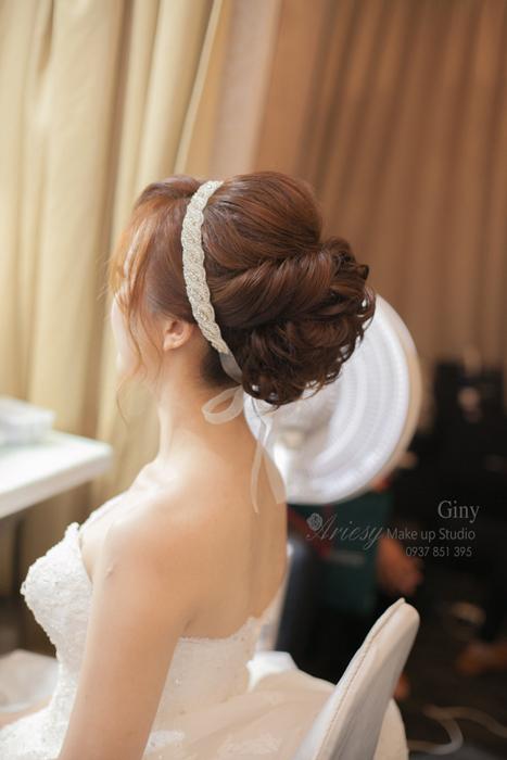 Giny,愛瑞思造型團隊,台北新娘秘書,新娘秘書,清透妝感,蓬鬆盤髮,線條盤髮,鮮花造型,修剪劉海,韓風飾品