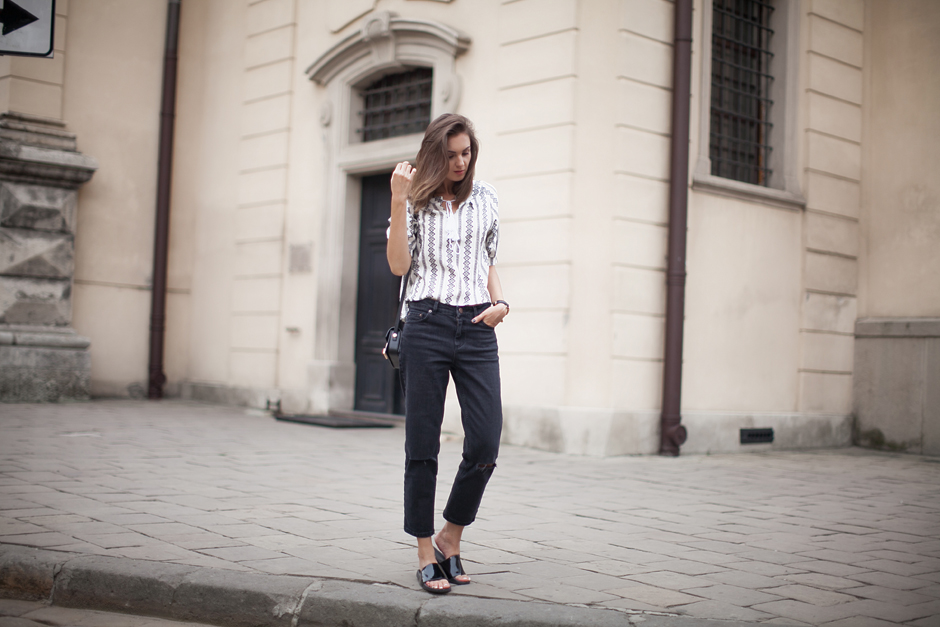 black-sliders-flats-summer-outfit-casual-style-blogger