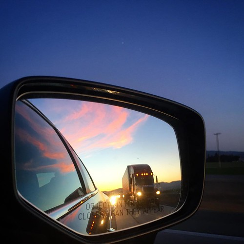#roadtrip #sunset in the rear view. #nextstop Paso Robles.