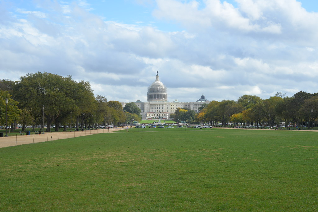 US Capitol Bld from 7th st 10-14-14