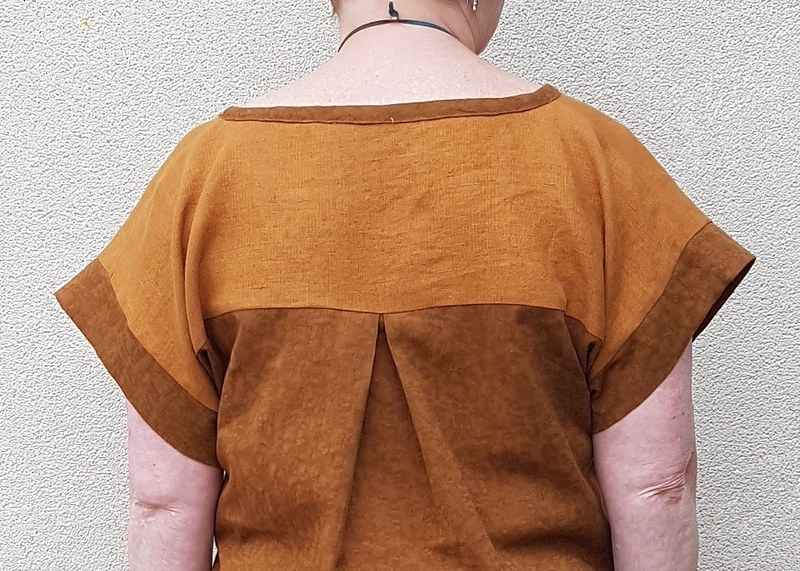 Designer Stitch Georgia top in linen and viscose jacquard