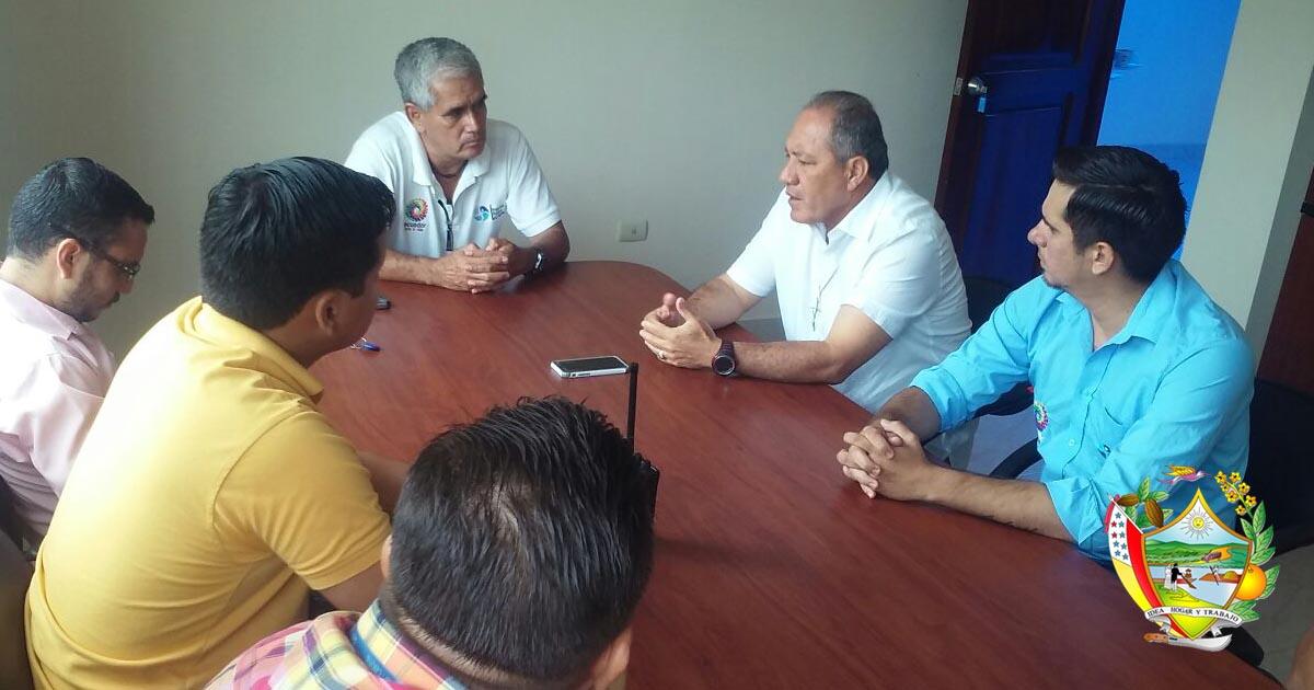 Alcalde de Chone mantuvo sesión de trabajo con técnicos y funcionarios de la Empresa de Agua Pública Ecuador