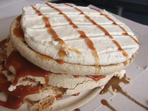 Crunchy Caramel Cake